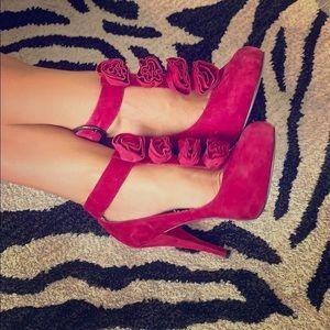 Amazing pinkish, reddish heels 👠 Steve Madden